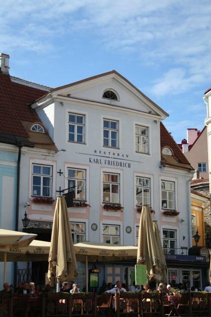Bonjour depuis Tallinn la ville natale de Skype